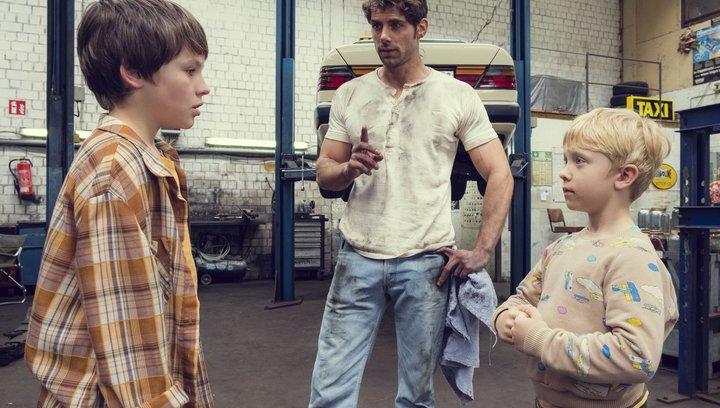 Matti und Sami und die drei größten Fehler des Universums - Trailer Poster