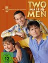 Two and a Half Men: Mein cooler Onkel Charlie - Die komplette fünfte Staffel (3 DVDs) Poster