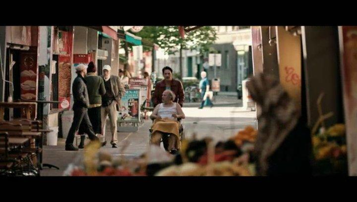 Benny und Herr Bilic gehen einkaufen - Szene Poster