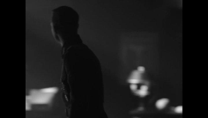 Standartenführer Helmut im Gespräch mit Heinrich Himmler - Szene Poster