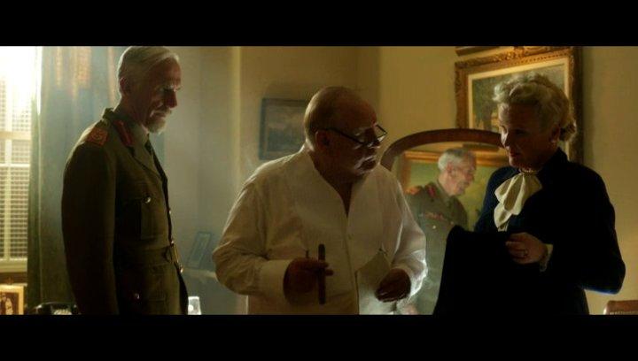 Churchill bereitet sich auf das Treffen vor - Szene Poster