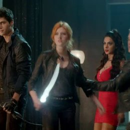 Shadowhunters Staffel 1 Video-Trailer Poster