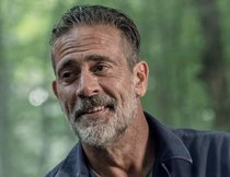 """The Walking Dead"": Negan-Star verrät schauriges Geheimnis über seine Whisperer-Maske"