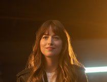 """The High Note"": Dakota Johnson zeigt Ice Cube die Stirn im exklusiven Clip"