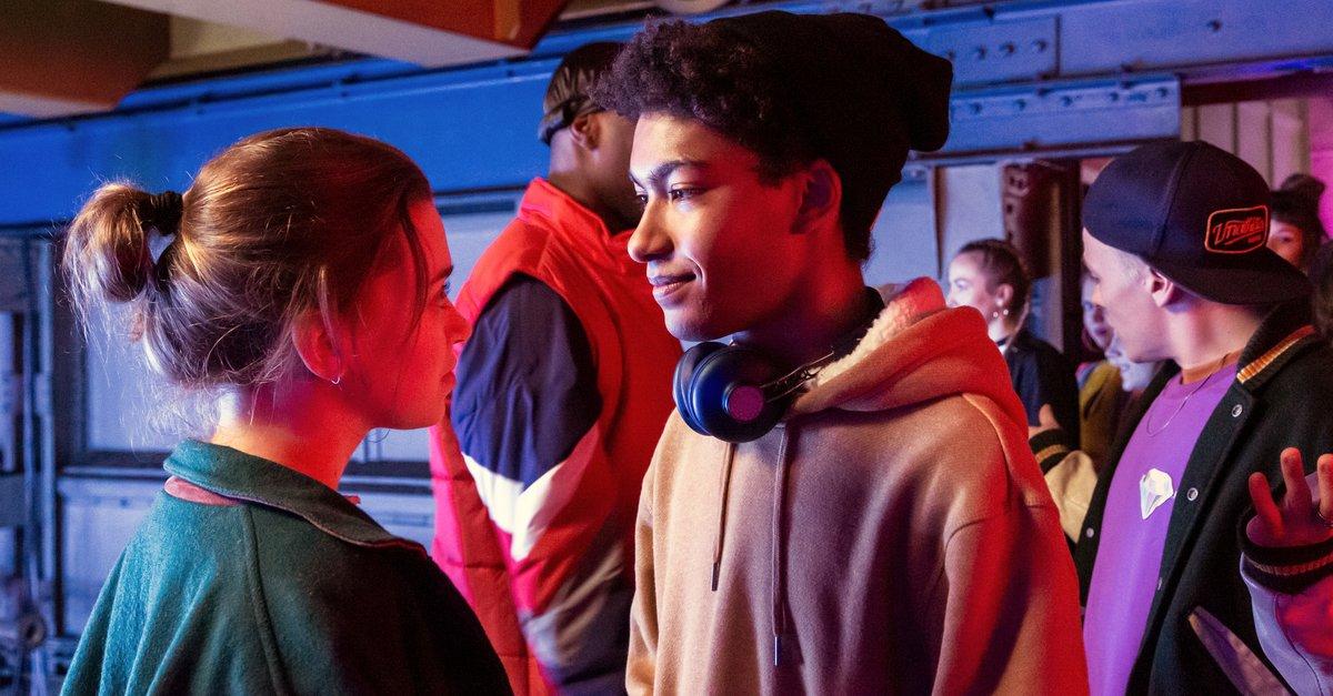 Into the Beat - Dein Herz tanzt · Stream   Streaminganbieter · KINO.de