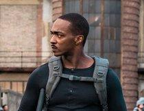 Satte Action: MCU-Star als Robo-Soldat im neuen Netflix ...